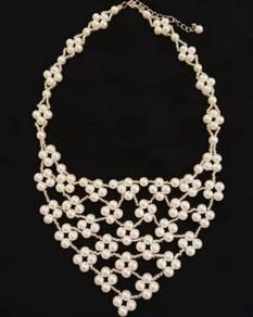 Handmade Elegant White Pearl Net Necklace