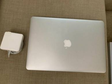 Apple MacBook Pro Retina 15 - Mid 2015 Like New