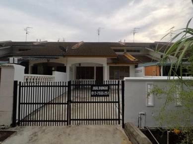 Rumah teres 1 1/2 tingkat jalan keruing Taman Rinting