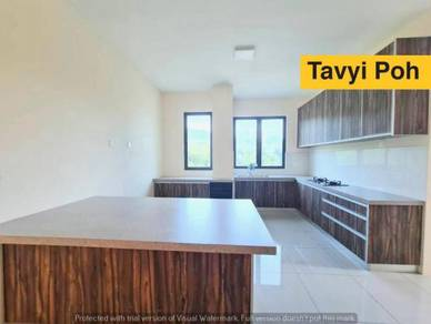 Pavilion Resort Apartment Teluk Kumbar 1616sf 2 kitchen cabinet corner