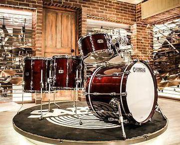Yamaha Recording Custom 5-piece Classic Walnut kit
