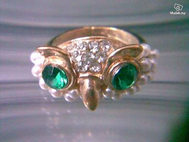 ABRGM-O003 Pearl Crystal Gold Owl Face Ring Sz 7