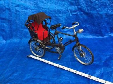 Miniature India Trishaw/Beca India Miniatur