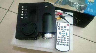 NEW Mini Projector UC28
