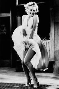 Marily monroe skirt poster