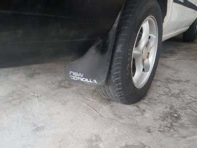 Mud Flaps Toyota LE Ae80 wańted
