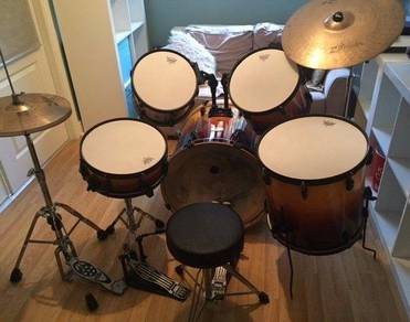 Pearl Export 5 piece Drum Kit in Amber Fade Cymbal