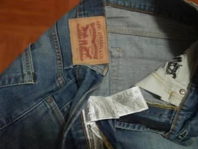 Levis 506 slim fit jeans W 32 L 42 ref May 30