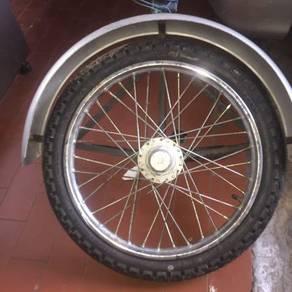 Tayar tambahan Motorsikal roda tiga