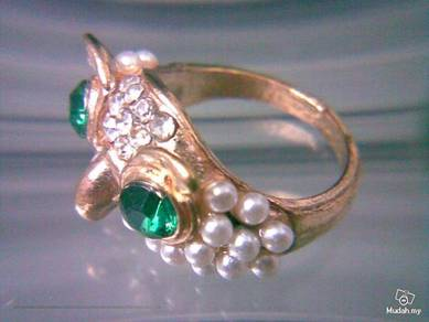 ABRGM-O003 Pearl Crystal Gold Owl Face Ring Sz 7.5