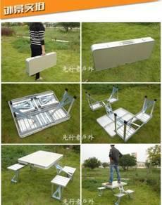Meja camping dengan 4 kerusi table lipat