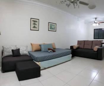 Full Renovated Ground Floor Larkin Residence Service Apartment