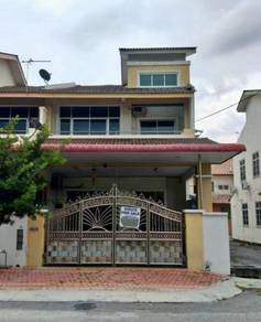 Double Storey End Lot Bandar Cyber