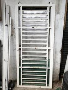 Grill Pintu Sliding dua Panel 6x7kaki