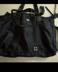 Large capacity came active messenger bag tote