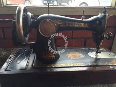 Singer Mesin Jahit Antique Vintage Sewing Machine