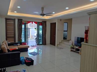 Fully Renovated Nice Unit Double Storey Terrace Dato Onn Perjiranan 5