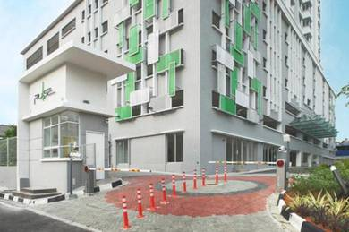 The Pulse Gelugor Renovated Furnished Well Maintained 2 Carpark RARE !