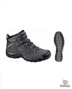 Hiking boots shoes salomon / slipper