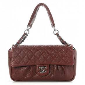 CHANEL Distressed Lambskin Quilted Flap Bordeaux