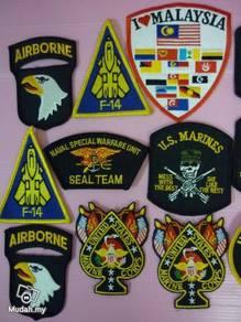 Usa and malaysia Badge 18pcs