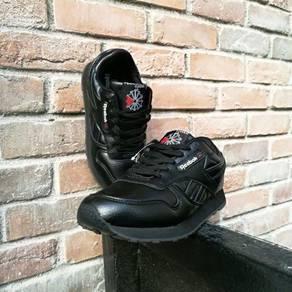 Reebok all black