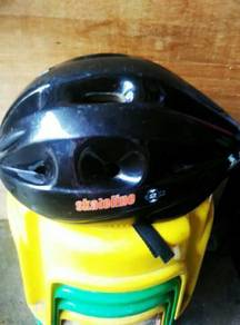 Helmet basikal.sizeS