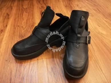 Dotti leather shoe kasut kulit wanita