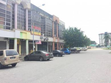 Bandar Pinggiran Subang 2 three story shop