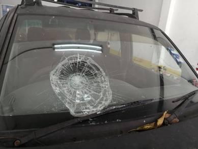 Authorized insurance panel windscreen claim