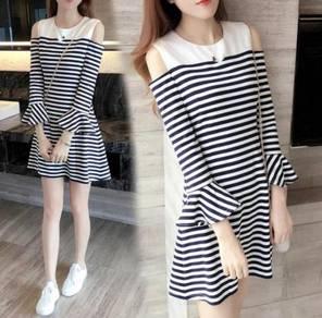 Stripes Pattern Off-shoulder Ruffles Long Sleeve D