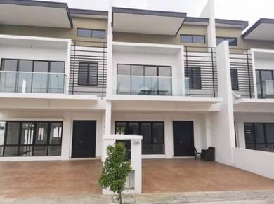 2 Storey Superlink Anggun 3 22X70 Kota Emerald 1{Club House}