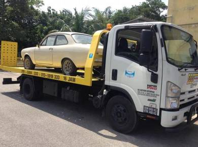Towing full drop car carrier breakdown accident