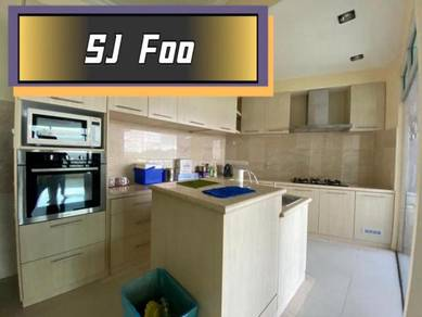 The view twin tower 2carpark Sea view Rare Fully Renovated Gelugor
