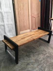 Bench with solid timber & epoxy steel leg