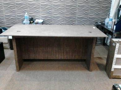 Office Table With Flexi Movable Locker Drawer