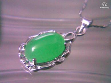 ABPSM-F019 Silver Stunning Green Jade Fruit Neckla