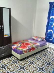 Bilik Wanita Di Larkin Jaya
