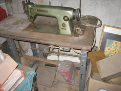 M12 - Industrial Sewing Machine (Singer 281-1)