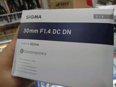 Sony 30mm DC DN