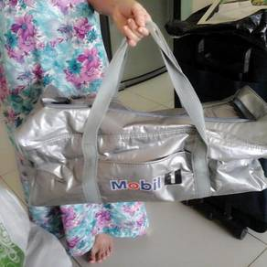 Hang luggage bag