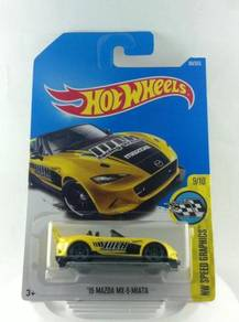 Hotwheels '15 Mazda MX-5 Miata #9 Yellow