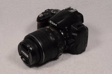 Camera DSLR nikon model D3000 fullset