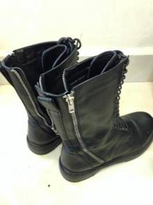 Female boots shoes
