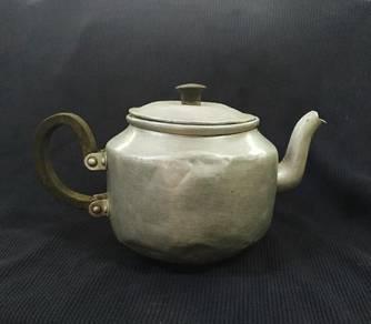 Teapot (Made of Aluminum)