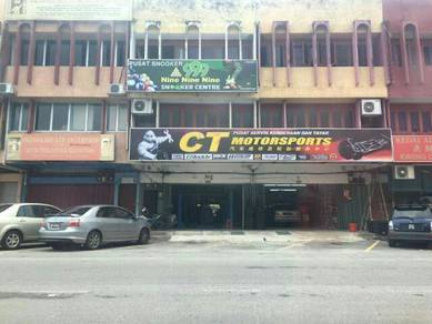 3 Storey shop for sale- Banting