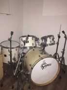 Gretsch drum kit + hardware