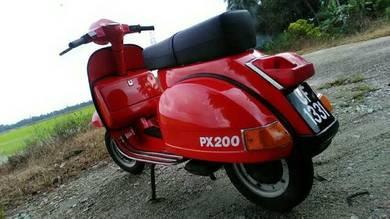 Vespa PX200 tanpa Disc