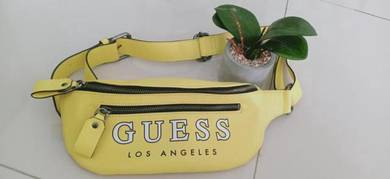 Guess sling beg