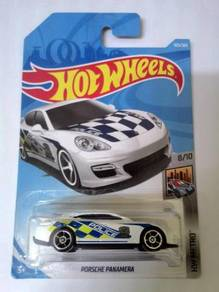Hot Wheels 2018 - PORSCHE PANAMERA